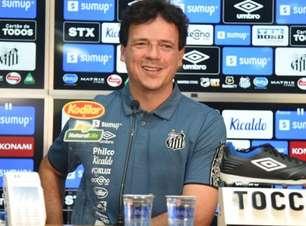 """Desejo de ficar em SP fez Diniz torcer por """"sim"""" do Santos"""