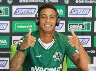 Clube grande? Reforço do Goiás, Alef Manga comete gafe em apresentação