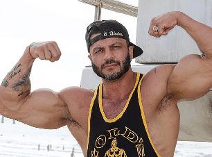 Kleber Bambam surpreende e revela briga feia com Boninho