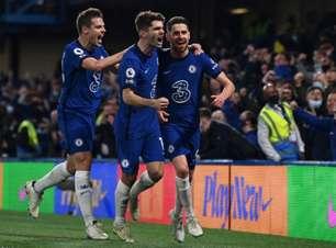 Chelsea vence o Leicester e fica próximo do G4 no Inglês
