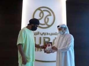 Após vacina, Ronaldinho recebe visto dos Emirados Árabes