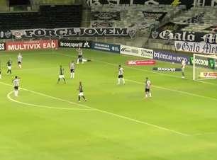 MINEIRO: Perdeu! Rodolfo chuta forte e a bola acerta o travessão em penalidade contra o Atlético