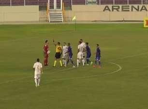 CRUZEIRO: Expulso! Fábio segura a bola fora da área e leva vermelho na derrota para o Confiança