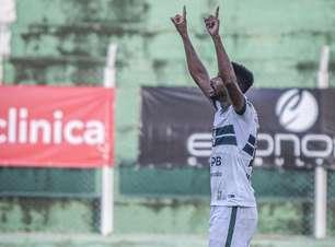Waguininho supera críticas e festeja momento no Coritiba: 'Sei do meu potencial'