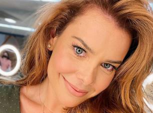 Fernanda Souza muda visual: 'do nada, ruiva'