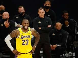"""James Worthy: """"Lakers fez pior atuação da história contra o Suns"""""""