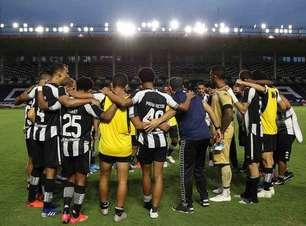 Com Nilton Santos na Copa América, plano do Botafogo é mandar jogos em São Januário, estádio do Vasco