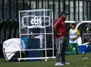 """""""Futebol brasileiro pensa que está em Londres"""", diz Roger"""