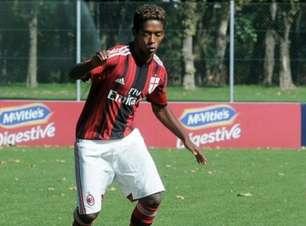 Alvo de racismo, ex-Milan é achado morto em suposto suicídio