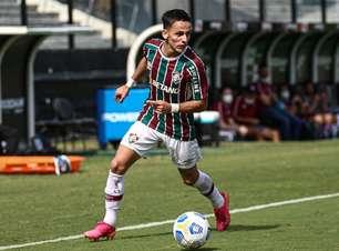 'Extremamente completo', Gabriel Teixeira ganha Roger e cresce para ser decisivo no Fluminense