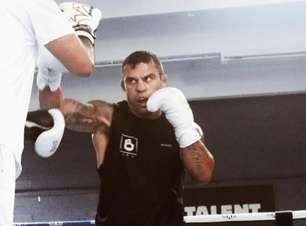 Belfort conta que Holyfield 'recusou' duelo e provoca irmãos Youtubers: 'Encaro os dois na mesma noite'