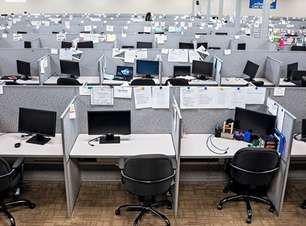 Setor de call center foca em treinamento para manter motivação no home office