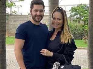 No sigilo! Solange Almeida se casa com Monilton Moura