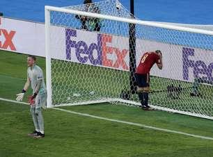 Espanha esbarra em retranca da Suécia e só empata na estreia