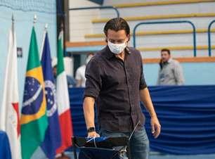 Presidente do Cruzeiro fala do atrito com o principal parceiro comercial e tenta aliviar a pressão no clube
