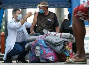 60% da população de rua de SP está imunizada contra a covid