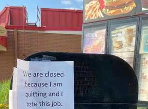 Funcionário do McDonald's se demite de forma inusitada; veja