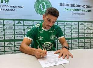 Chapecoense acerta renovação de contrato com o volante Ronei
