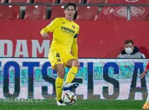 Manchester United estuda a contratação do zagueiro Pau Torres