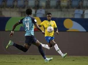 Arboleda segue fora do São Paulo contra o Corinthians