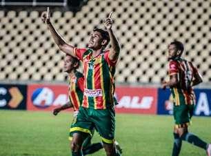 Jefinho, do Sampaio Corrêa, comemora gol marcado, mas destaca: 'O mais importante foi a vitória'