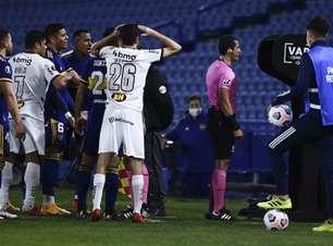 Conmebol suspende árbitro e operador do VAR do duelo entre Galo e Boca por 'erro grave'