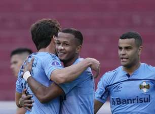 Grêmio vence LDU fora e abre vantagem na Sul-Americana
