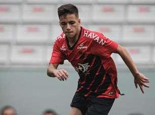 João Pedro quer Athletico brigando no topo do Brasileirão Sub-20