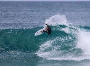 Lucas Silveira entre ondas perfeitas e tubarões em Jeffreys Bay