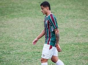 Mascarenhas celebra retorno após dois anos sem jogar e exalta 'recomeço' no Fluminense