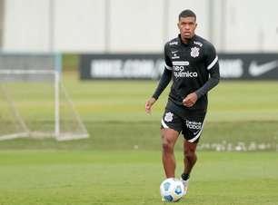 Léo Natel se recupera de lesão e volta aos relacionados, e Gabriel Pereira é baixa no Corinthians; confira a lista