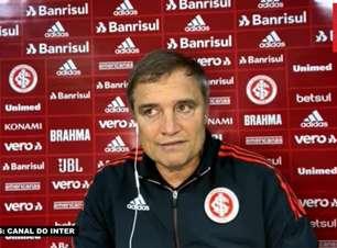 """INTERNACIONAL: Aguirre vê equipe criando oportunidades de gol, mas reconhece falhas na conclusão: """"Precisamos das vitórias e não estamos conseguindo"""""""