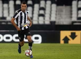 Gilvan valoriza momento do Botafogo e projeta clássico com o Vasco: 'Será muito difícil'