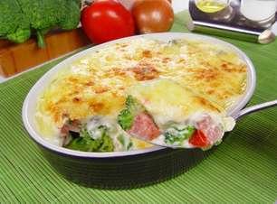 Receitas de brócolis gratinado práticas e deliciosas