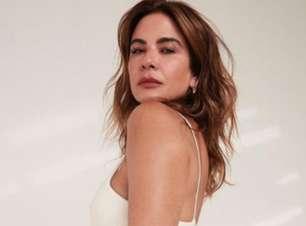 Luciana Gimenez surpreende ao surgir de topless aos 51 anos