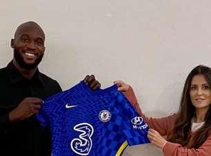 Lukaku é anunciado pelo Chelsea e assina contrato de 5 anos