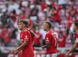 Benfica vence o Arouca e assume liderança provisória do Português