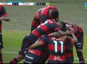 Com gol olímpico, Vitória vence Guarani pela Série B