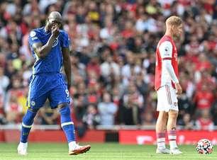 Lukaku marca em reestreia e Chelsea bate Arsenal em clássico