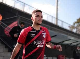 Atuações de João Pedro no Sub-20 do Athletico já chamam a atenção na Europa