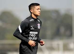 Corinthians faz treino sem Fagner, Adson e Renato Augusto