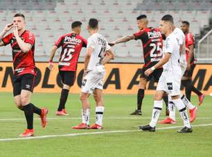 Athletico vence o Santos e larga na frente na Copa do Brasil