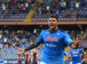 Napoli vence Genoa e sobe para terceira posição no Italiano