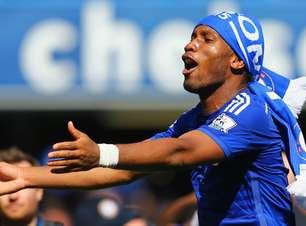 Drogba comemora Willian no Corinthians... e irrita torcida do Chelsea