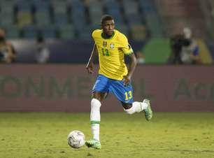 Tottenham contrata lateral-direito brasileiro Emerson Royal
