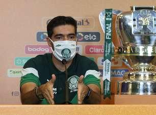 Fortalecido por taças, Abel completa 10 meses de Palmeiras