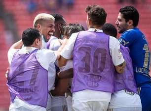 Cruzeiro supera o calor e derrota a Ponte