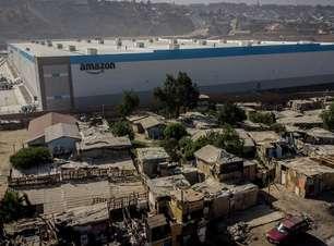 O controverso armazém da Amazon no meio de favela