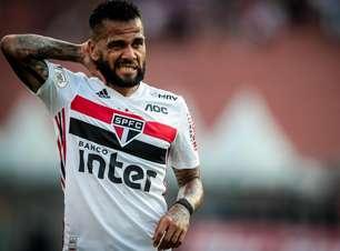 Flamengo avalia Daniel Alves após rescisão com o São Paulo