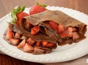 Panqueca de chocolate com morango